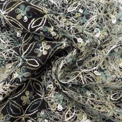 Tissu étamine hollandaise brodée :  21505