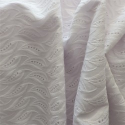 Tissu broderie anglaise coton : 12391